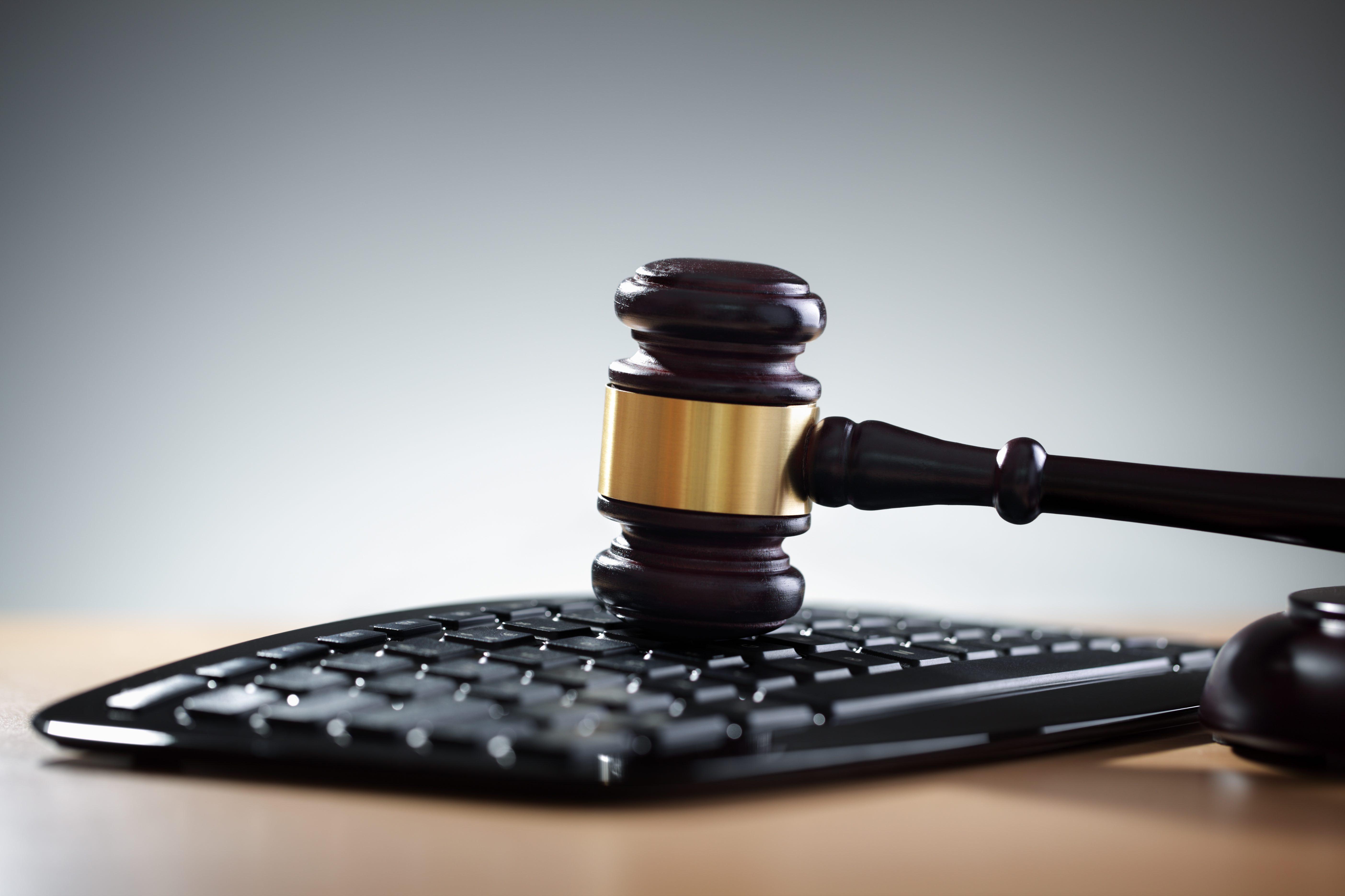 وکیل جرائم اینترنتی دراصفهان